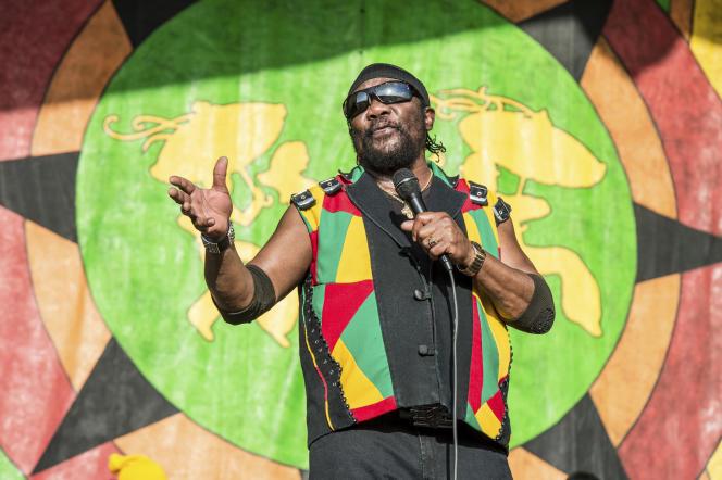 Le chanteur jamaïcain Toots Hibbert, au festival Jazz & Heritage, en 2018 à La Nouvelle-Orléans, aux Etats-Unis.