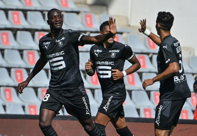 Un doublé pour Serhou Guirassy lors de son premier match avec le Stade rennais, dimanche 13 septembre, à Nîmes.