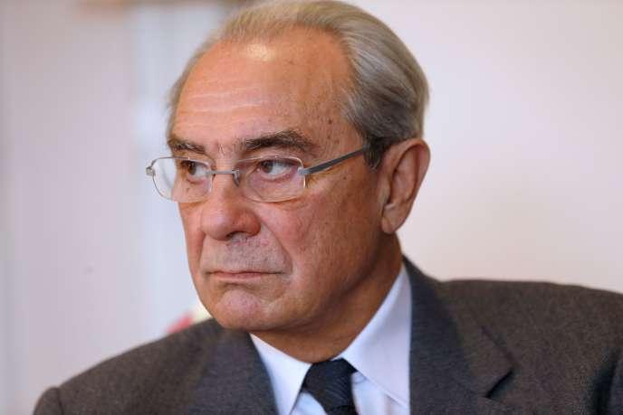 Le député UMP Bernard Debré à Paris, en décembre 2013.