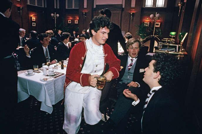 Au Pitt Club de Cambridge, en1993. Le lieu est menacé de fermeture.