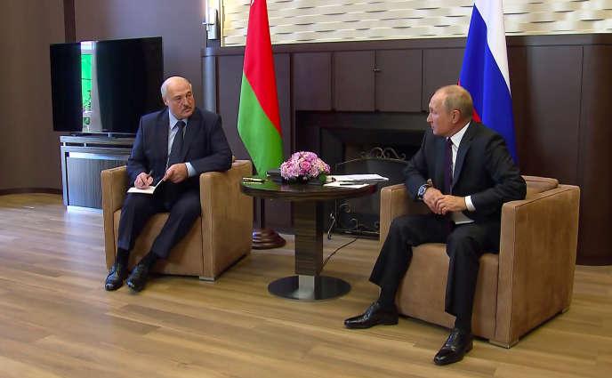 Alexandre Loukachenko et Vladimir Poutine, à Sotchi (Russie), le 14 septembre.