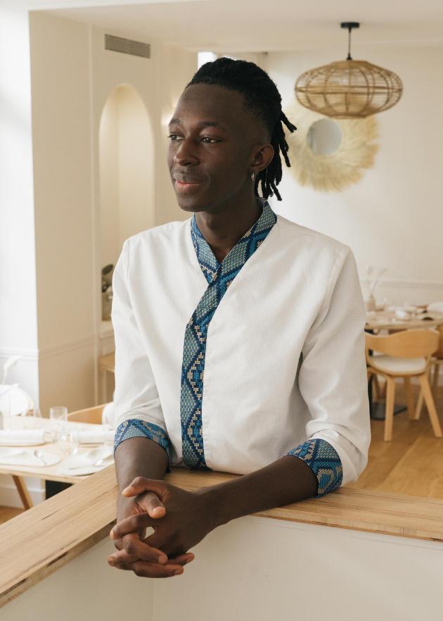 Mory Sacko, dans son restaurant le Mosuke, à Paris, en septembre.