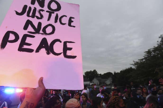 Une manifestation à Lancaster, Pennsylvanie, le 13 septembre, pour protester contre la mort de Ricardo Munoz lors d'une intervention de la police.