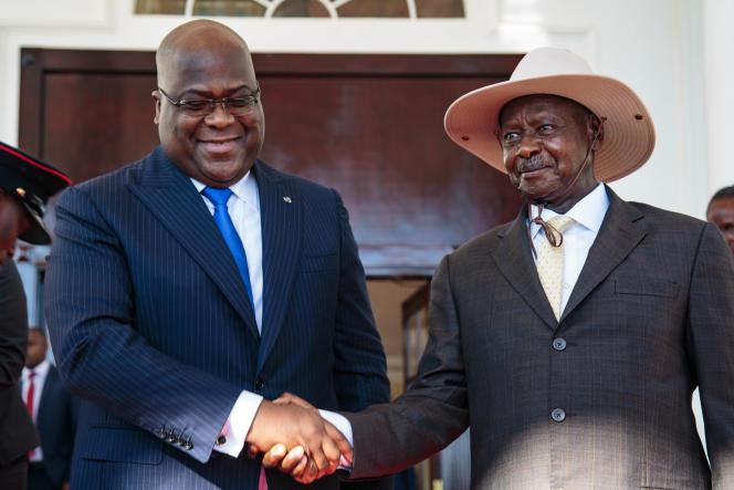 Les présidents Félix Tshisekedi (RDC) et Yoweri Museveni (Ouganda), à Entebbe, le 9novembre 2019.
