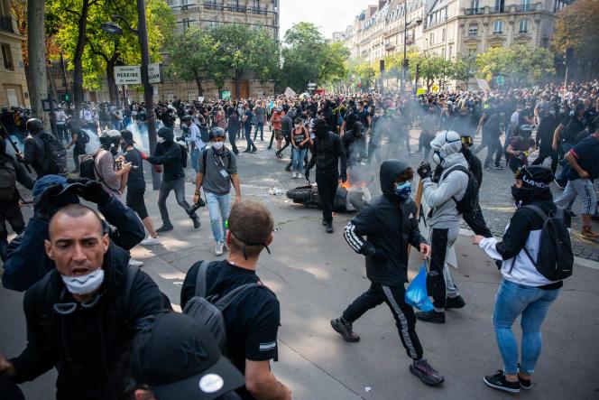 Manifestation des « gilets jaunes», à Paris, le 12 septembre.