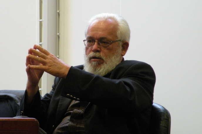 André Lespagnolauconseil régional de Bretagne, en septembre2009.