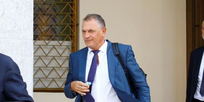 Jérôme Valcke, ex-numéro 2 de la FIFA, doit répondre des charges de « gestion déloyale aggravée répétée », de « faux dans les titres » et de « corruption passive répétée. »
