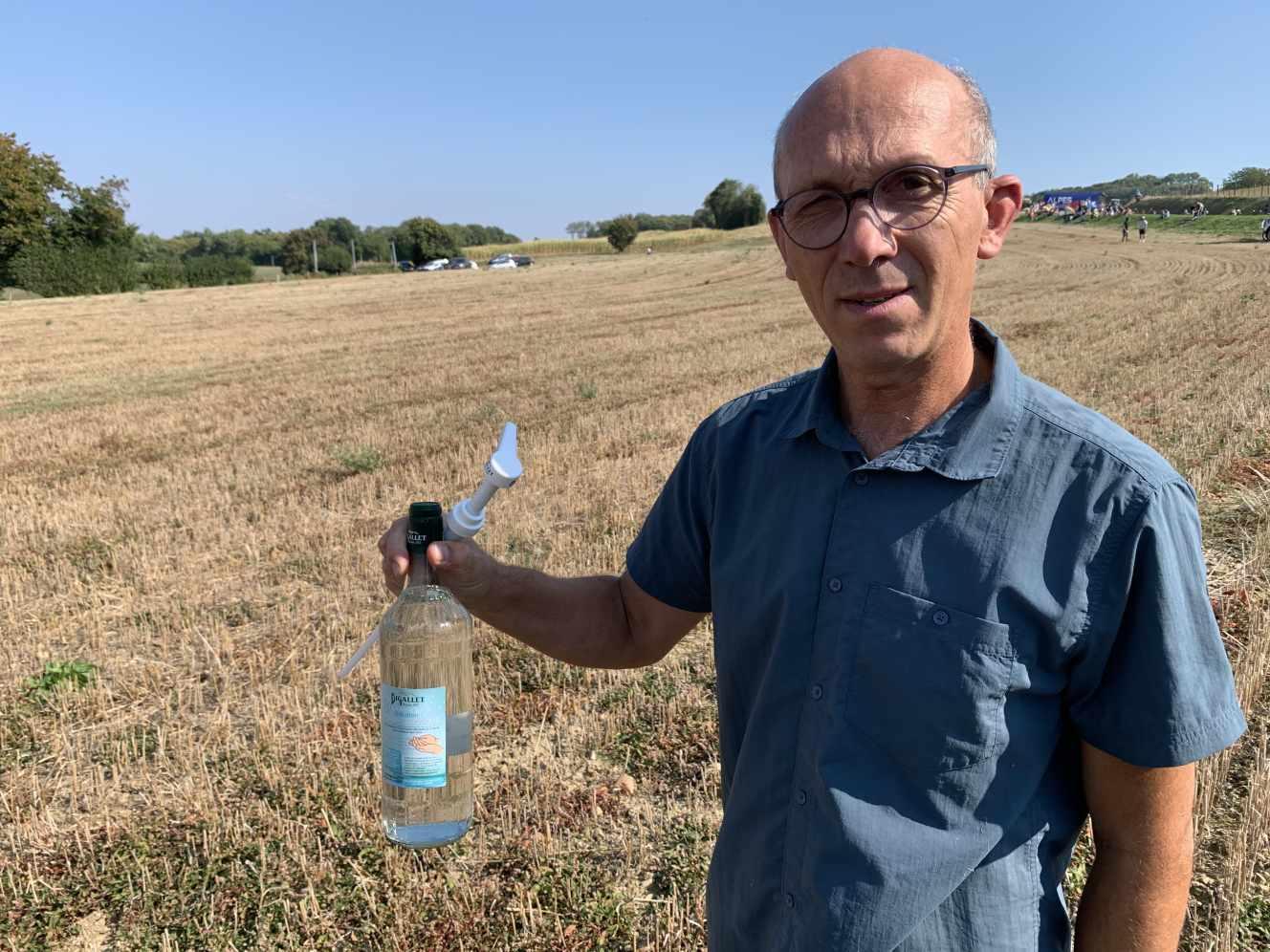 Olivier Giffard, director al companiei Bigallet care produce siropuri, lichioruri si ... gel hidroalcoolic.