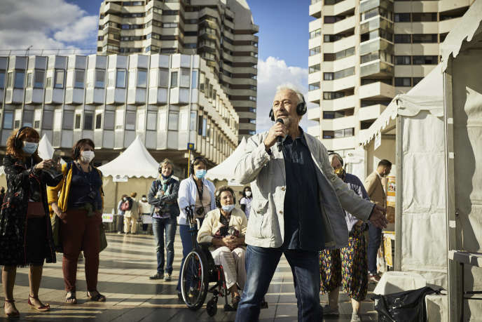 Une représentation de« Fake» avec le conteur Abbi Patrix, à Créteil, le 5 septembre.