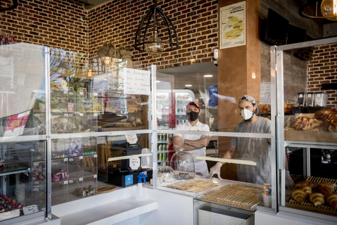 A la boulangerie La Belle Epoque, aux 4 000 Nord, on estime la perte des clients à 80 % et 5 employés ont dû être licenciés.