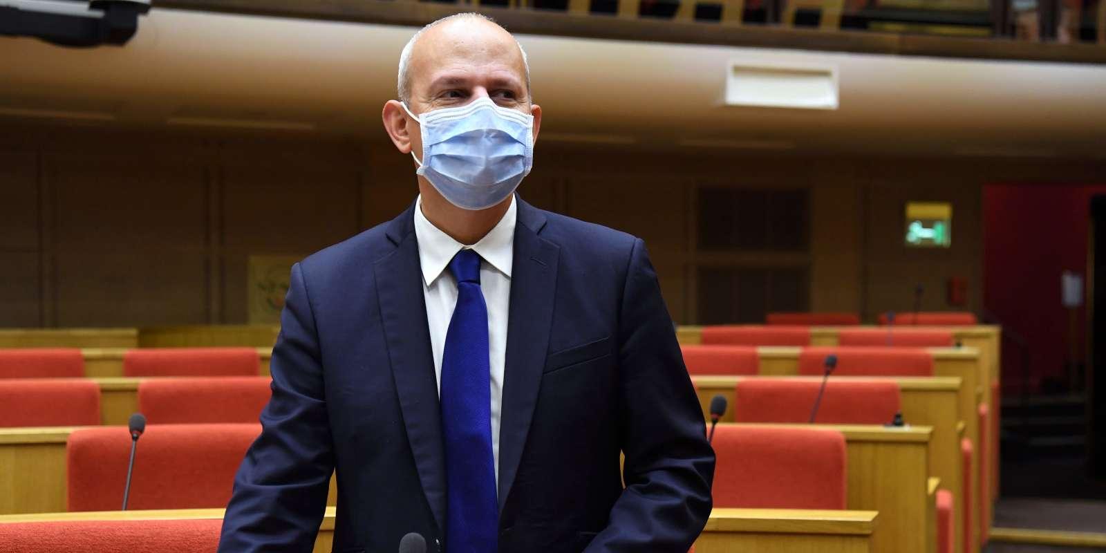 Le directeur général de la santé est entendu, à partir de 14h30, par les membres de la commission d'enquête chargée d'analyser la stratégie de l'Etat pour lutter contre l'épidémie.