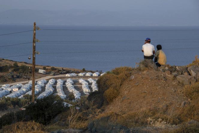 Campement mis en place avec l'aide du HCR pour accueillir les migrants après le sinistre du camp de Moria à Lesbos, le 16 septembre.