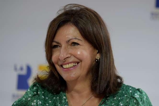 La maire de Paris Anne Hidalgo, lors de la réunion d'été du Medef, au complexe hippique de Longchamp, à Paris, le 27 août.