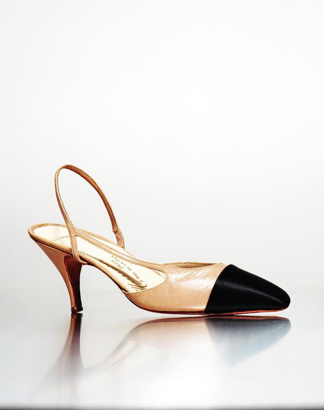 Prototype de soulier créé par Chanel et conçu par Raymond Massaro vers 1961.