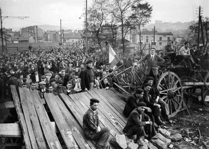 Des mineurs en grève à Montceau-les-Mines (Saône-et-Loire), le27octobre1948.