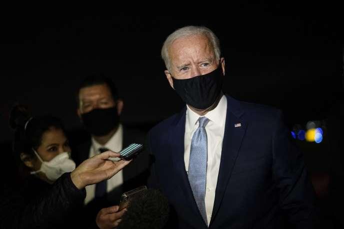 Joe Biden répond aux journalistes à l'aéroport de Wilkes-Barre Scranton à Avoca, en Pennsylvanie, jeudi 17 septembre.