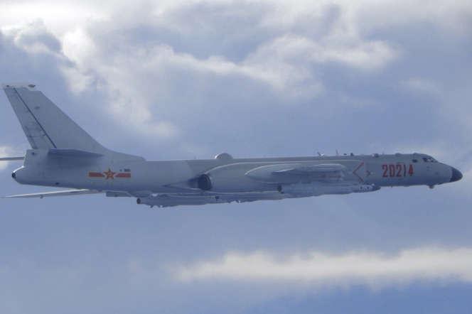 Un bombardier chinois H-6 à proximité de la zone d'identification de défense aérienne taïwanaise le 18 septembre 2020.