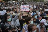 En Thaïlande, des manifestants prodémocratie lors d'un rassemblementà Bangkok, mle 16 août.
