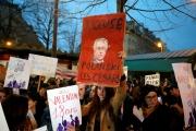 Des femmes manifestent contre la nomination du réalisateur Roman Polanski aux Césars, à Paris, le 28 février.