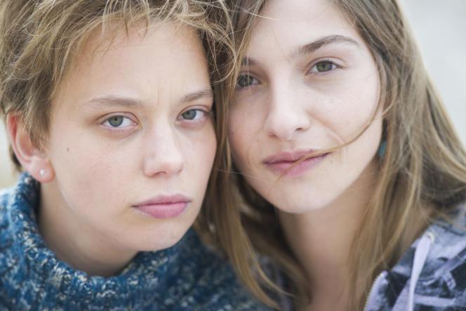 Sophie Breyer etMarie Colomb incarnent Jessica et Laëtitia Perrais dans la série «Laëtitia», réalisée par Jean-Xavier de Lestrade.