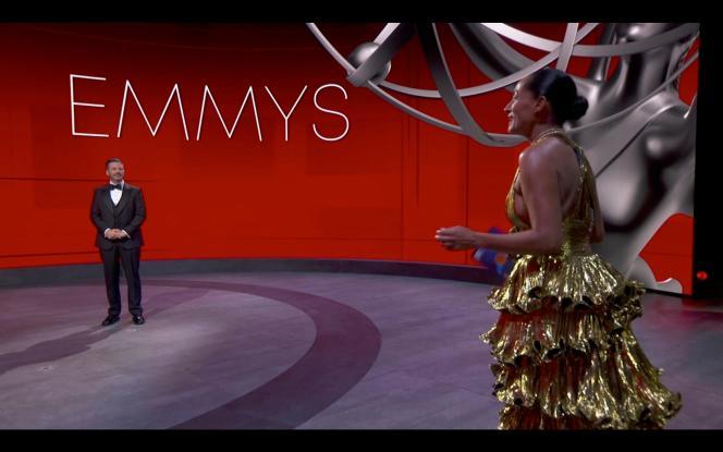 Jimmy Kimmel présente la 72e cérémonie des Emmy Awards, le 20 septembre au Staples Center de Los Angeles.