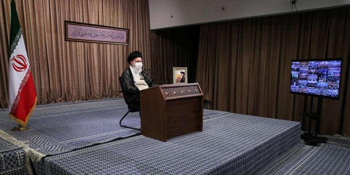Le Guide suprême iranien Ali Khamenei, le 21 septembre, à Téhéran, sur une photo fournie par ses services