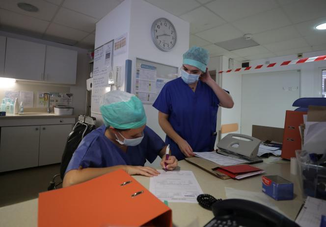 Des soignantes à la clinique Bouchard-Elsan, à Marseille, le 21septembre2020.