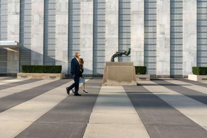 Devant le siège des Nations unies, à New York, lundi 21 septembre.