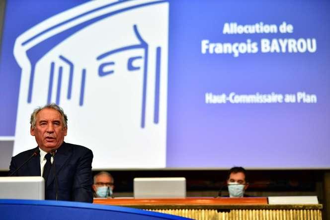 François Bayrou, lors de son discours à la tribune du Conseil économique, social et environnemental, mardi 22 septembre.