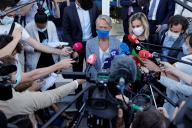 La ministre du travail, Elisabeth Borne et la ministre chargée de l'industrie, Agnès Pannier-Runacher,le 21 septembre à l'usine de Béthune.