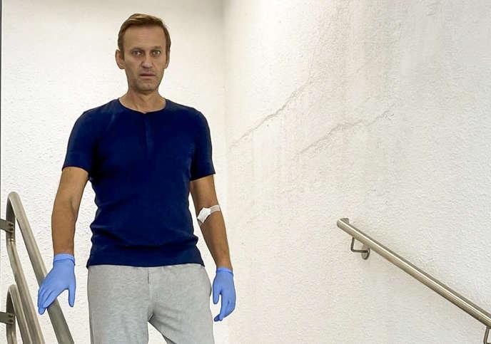 Alexeï Navalny à l'hôpital de la Charité à Berlin, le 19 septembre. Cette image a été diffusée par l'opposant sur son compte Instagram.