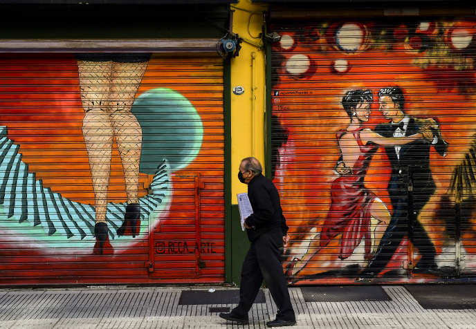 A Buenos Aires, alors que le confinement pour enrayer l'épidémie de Covid-19 a causé la fermeture des milongas, le 8 mai.