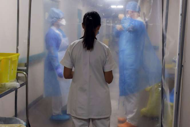 Dans l'unité des malades atteints du Covid-19,dans un hôpital de Marseille, le 18 septembre.