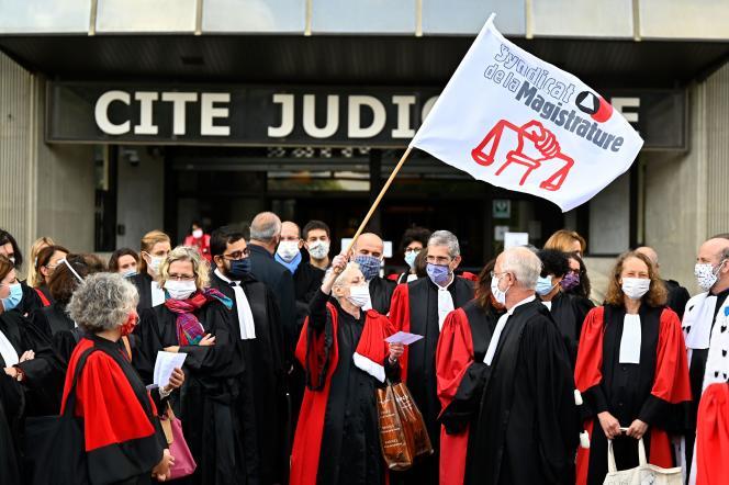 Manifestation du syndicat de la magistrature devant le tribunal de Rennes (Ille-et-Vilaine), le 24 septembre.