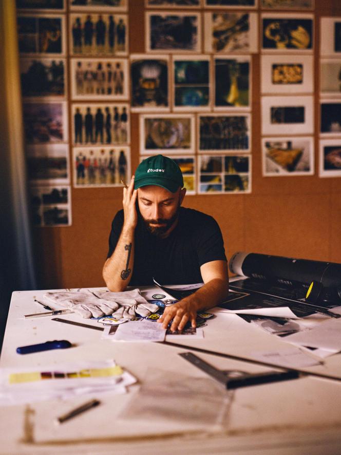 L'artiste français, Woodkid, dans son «atelier», le 22 septembre à Paris.