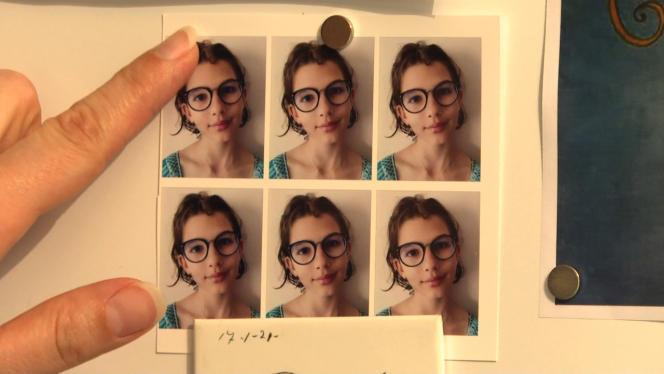 Des photographies d'Evaëlle, qui s'est suicidée il y a un an et demi.