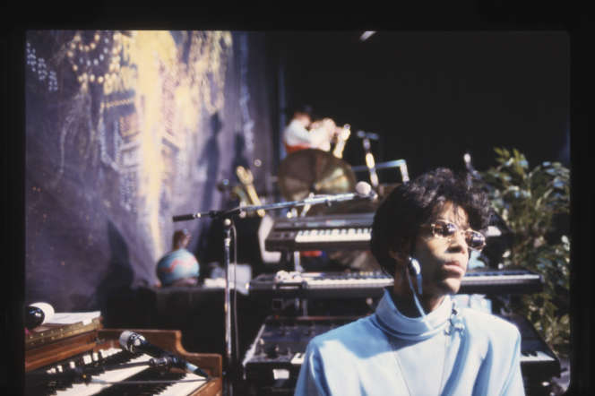 Prince en 1987 dans son studio à Paisley Park, Minneapolis (Minnesota).