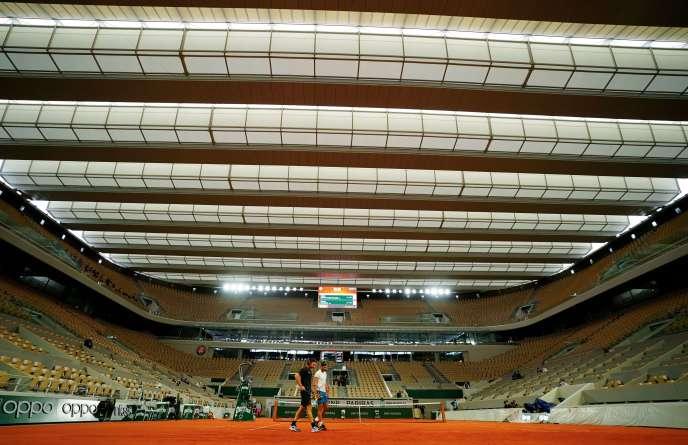 Le court central Philippe-Chatrier inaugure cette année son toit rétractable.