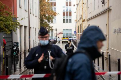 Après l'attaque qui a eu lieu à proximité des anciens locaux de « Charlie Hebdo», rue Nicolas-Appert à Paris, le 25 septembre.