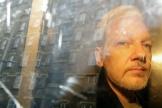 Julian Assange lors d'un transfert vers le tribunal, en mai 2019.
