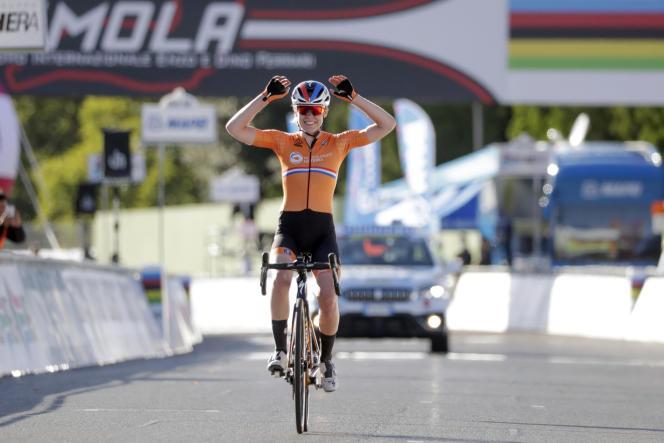Anna van der Breggen remporte les Championnats du monde de cyclisme sur route, à Imola, en Italie, le samedi 26 septembre 2020.