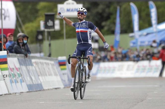 Julian Alaphilippe a remporté le championnat du monde de cyclisme sur route, dimanche 27 septembre, à Imola (Italie).