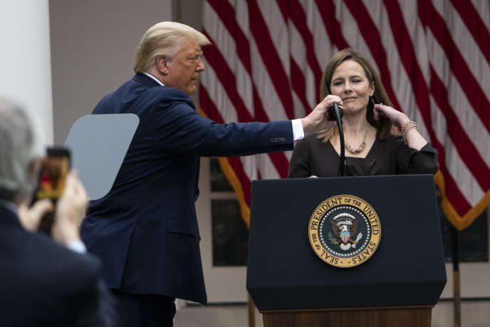 Donald Trump et la juge Amy Coney Barrett lors de sa nomination à la Cour suprême, à la Maison Blanche à Washington, le 26 septembre.
