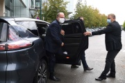 Le ministre de la justice, Eric Dupond-Moretti, à son arrivée au palais de justice de Pontoise (Val-d'Oise), le 24 septembre.