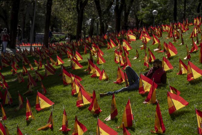 Un memorial pour les victimes du Cvid-19 à Madrid.