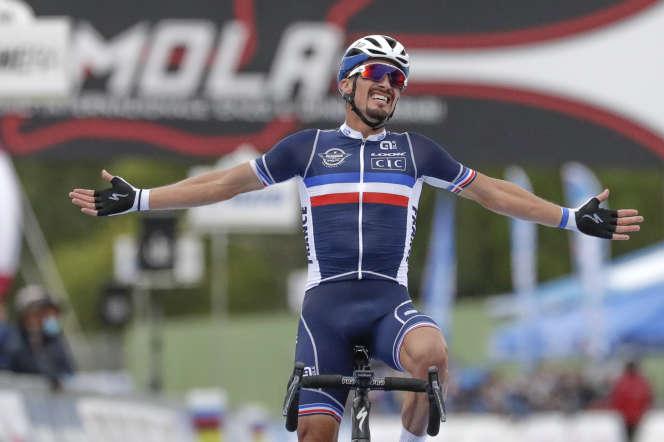 Julian Alaphilippe peut lever les bras à Imola : c'est le premier champion du monde de cyclisme sur route depuis Laurent Brochard, en 1997.