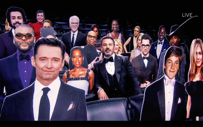 La 72e cérémonie des Emmy Awards, présentée par Jimmy Kimmel (au centre), au Staples Center, à Los Angeles, le 20 septembre 2020.