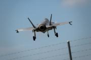 Un avion de combat F-35 de Lockheed Martin se pose sur la base aérienne de Payerne (Suisse), le 7 juin 2019.