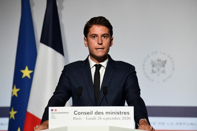Le porte-parole du gouvernement, Gabriel Attal, en conférence de presse à l'Elysée, lundi 28 septembre.