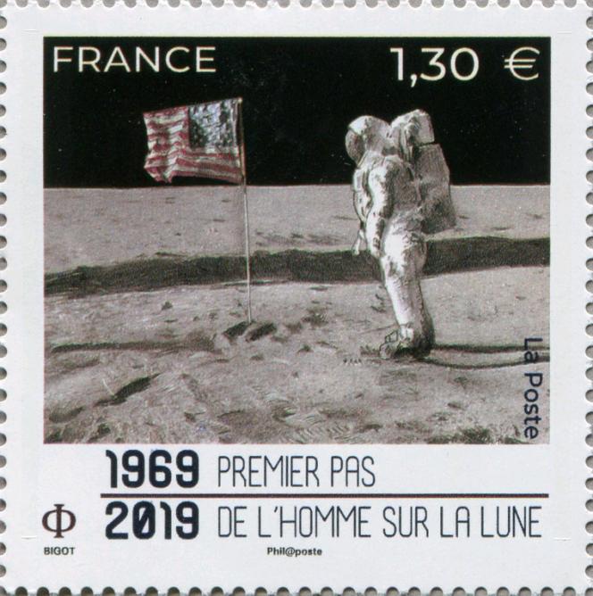 « 1969-2019. Premier pas de l'homme sur la lune»', timbre conçu par Alice Bigot, émis en 2019.